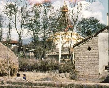 Bodnath : Stupa dans la campagne